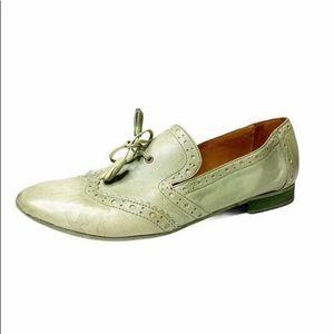 LIEBESKIND Berlin Italy Leather Tassel Oxford Shoe